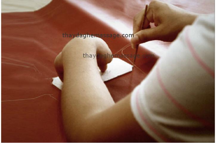 Thay áo da ghế massage ở quận Bình Thạnh